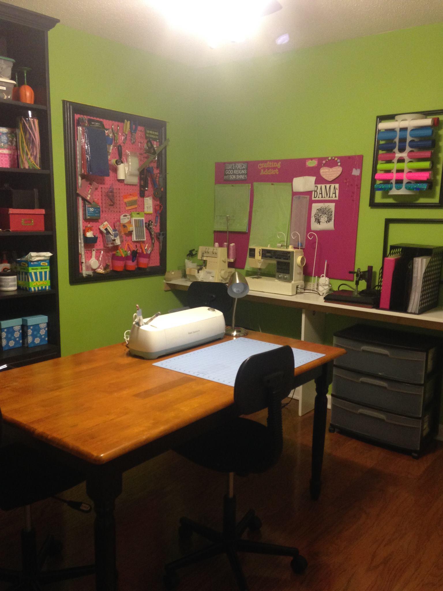 craft room Cricut