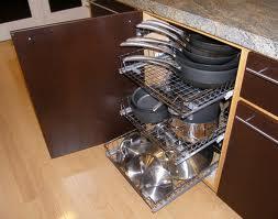 Organizing Kitchen Cabinets |